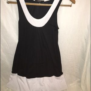 EXPRESS ~ XS Black/White Top